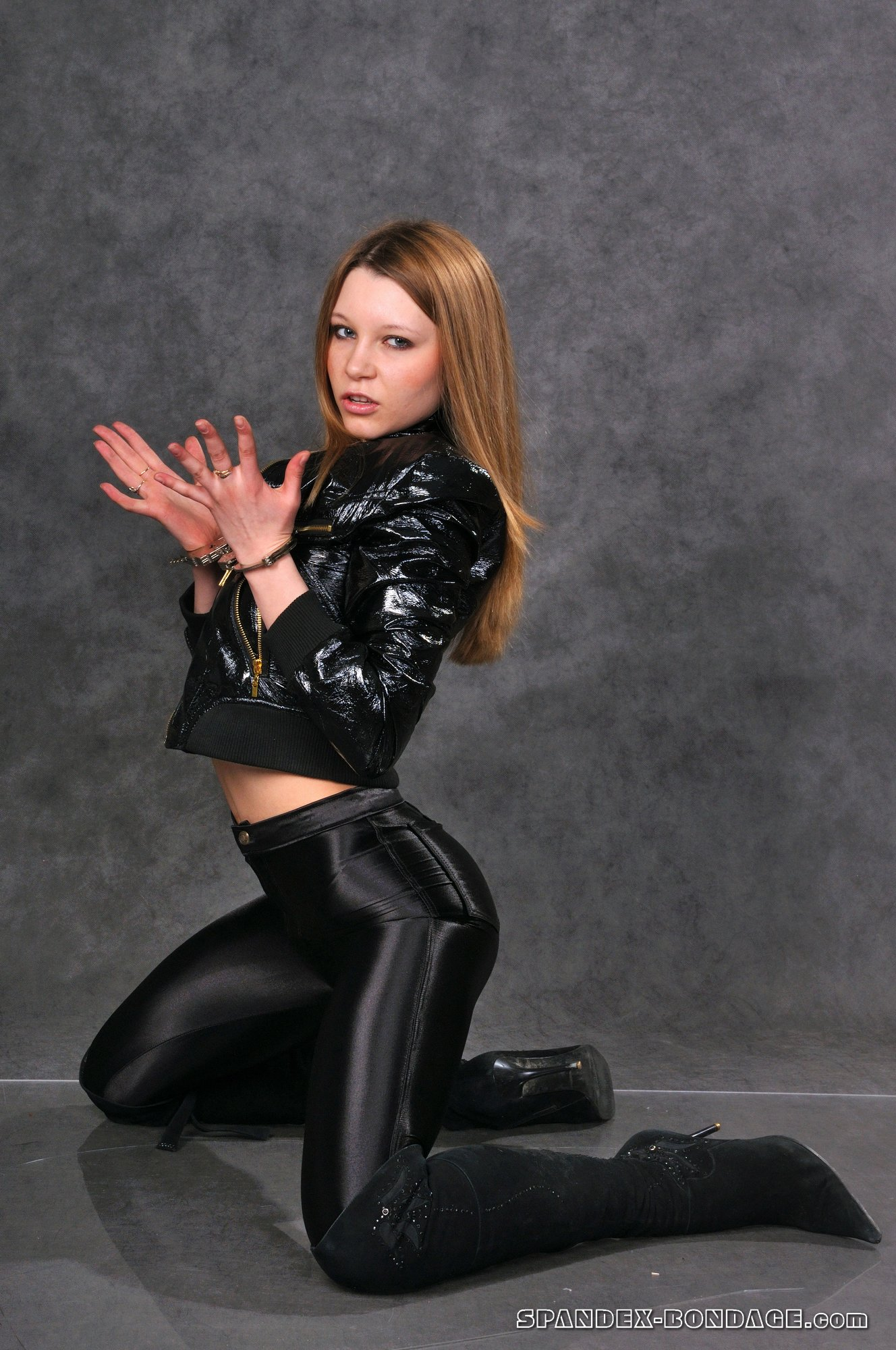 Айлар Лай - розовые киски ХХХ порно с мисс Норвегия